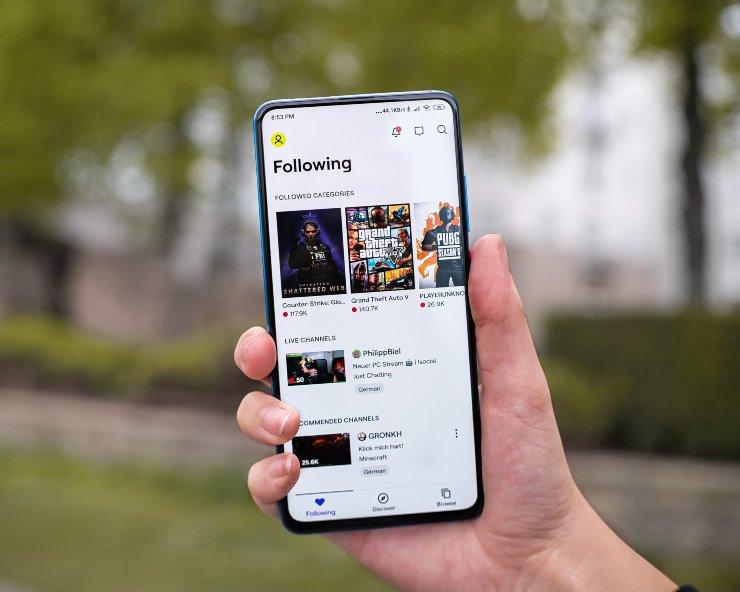 Piattaforma-Live-Streaming vista da smartphone